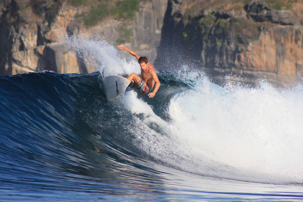 surfing lombok on board surf charter Sri Noa Noa